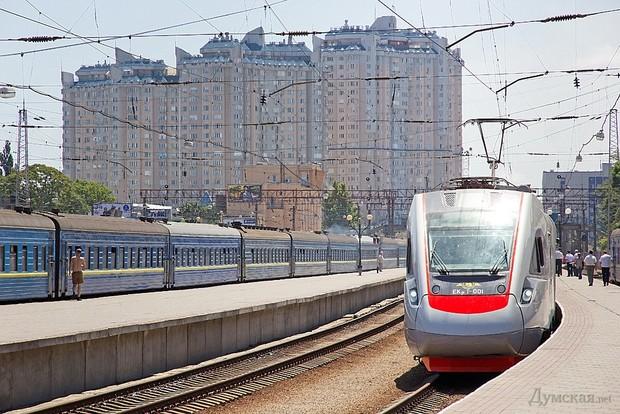 поезд Тарпан Украина