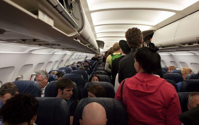 самолет салон