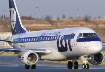 LOT Embraer 175. Travel AdverMAN